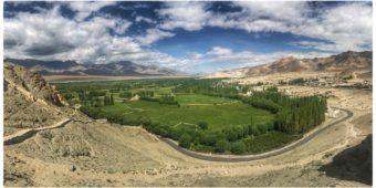 valley mountains himalaya india