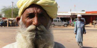 indian man himalaya