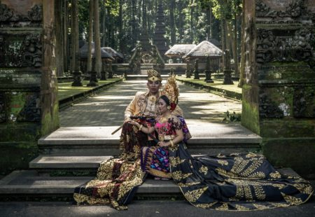 "<h2>Best of Bali</h2>Prepare yourself to be surprised! In 12 days of trip, you'll be amazed. It all starts in Ubud, cultural and artistic capital of Bali, HQ of <a href=""http://www.vintagerides.travel/"">Vintage Rides</a>. The city doesn't lack attractions: restaurants, bars, craft shops and art galleries merge with the local life, at the rythm of rites and daily offerings. The single cylinder snorts towards the Balinese countryside! On the island of gods, even the rice fields are classified at Unesco. Water and land come together to reflect the sky, grow rice and magnify landscapes. Millennial temples, small fishing villages, sacred springs, wild waterfalls, coffee plantations, cloves ... The incomparable harmony and beauty of Bali will seduce you instantly. Not to mention the crazy black sand beaches and snorkeling in Bali's most beautiful seabed on Mejangan Island."