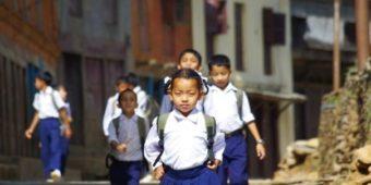 schoolchildren nepal