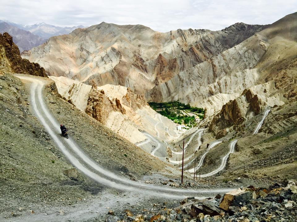 Motorcycle road trip India / Himalaya - Oases andPeaks at World's End