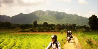 country road sri lanka