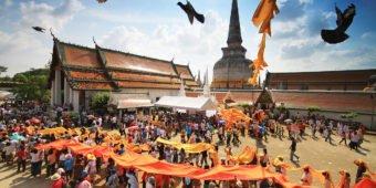 buddhist festival thailand