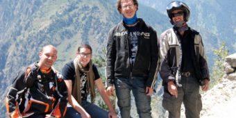tourists himalaya